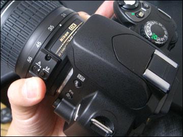[Nikon D40X]開封してレンズを装着しました